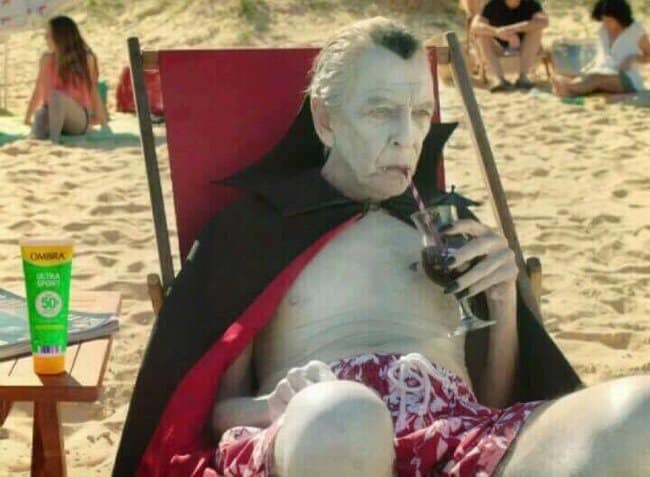 vampire-on-the-beach-pale-people-problems