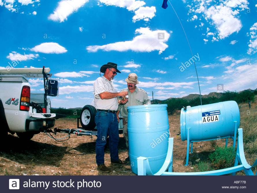 humane-borders-water-stations