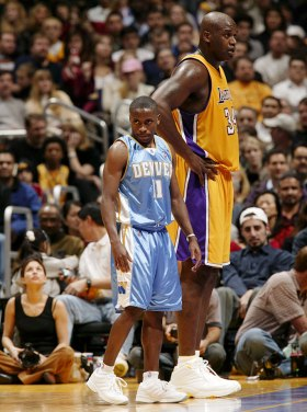 Shaquille-O'Neal-Earl-Boykins
